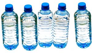 botellas de plástico de agua